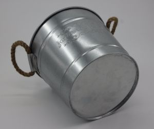 Circular Galvanized Metal Bucket W/ Rope Handle pictures & photos