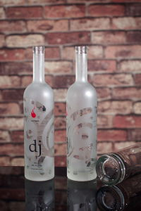 750ml Frosted Glass Bottle for Vodka Spirits pictures & photos