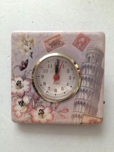 Funny Ceramic Desk Table Clock pictures & photos