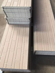 PU Material Type and Metal Wall Cladded to Sandwich Panel. pictures & photos