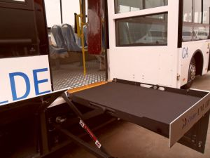 CE Hydraulic Wheelchair Lifts for Bus pictures & photos