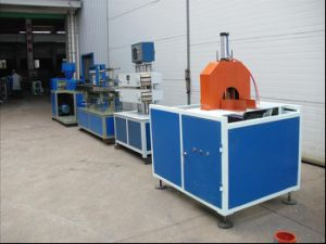Good Quality China Supplier PVC Wire Trunking Extrusion Machine pictures & photos