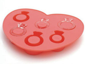 Promotional High Quality Love Ring Shape Silicone Ice Cube Tray pictures & photos