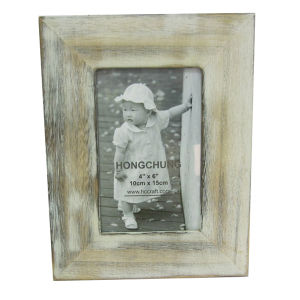 Wooden Beautiful Photo Frames for Gifts pictures & photos