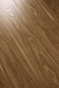 2014 New Pattern Deep Eir Natural Wood Grain Laminate Flooring pictures & photos