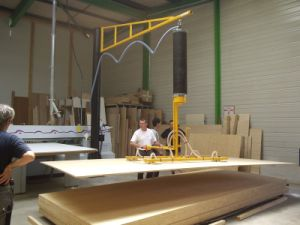 Vacuum Lifter for Wood/ Log Lifter/ Wood Pallet Lifter pictures & photos
