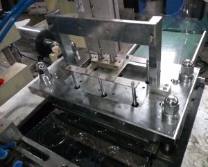 Plastic Tray Forming Lid Thermoforming Machine pictures & photos