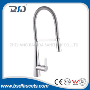 Pull-out Hot Cold Spray Kitchen Faucet Brass Mixer Tap pictures & photos