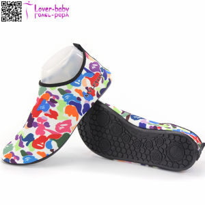Wholesale Price Fashion Men and Women Sports Water Footwear Ty009 pictures & photos