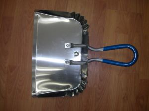 Aluminium Dust Pan pictures & photos
