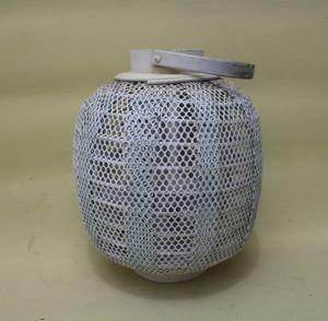 Exquisite Small Honeycomb Columnar White Kerosene Lantern pictures & photos