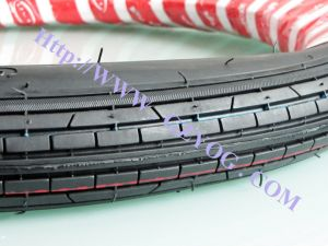 Yog Motorcycle Tire High Quality Tyre 2.75*17 pictures & photos