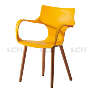 Leisure Style Replica PP Plastic Chair pictures & photos