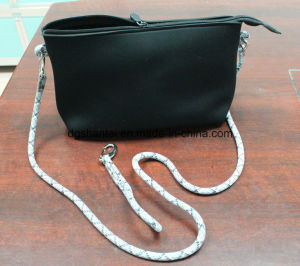 High Quality Small Solid Neoprene Clutch (STNB-023-01) pictures & photos