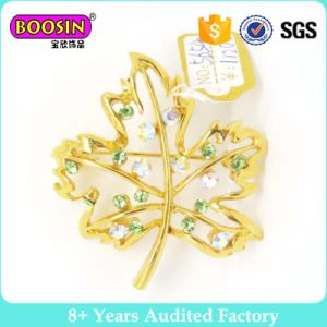 2015 New Wedding Invitation Gold Brooches Crystal Leaf Brooch pictures & photos