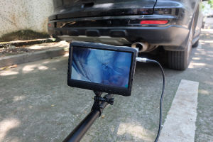 """New Arrival 7"""" Screen 1080P 64GB Memory Under Vehicle Surveillance System for Car Security Checking with 2m Adjustable Pole pictures & photos"""