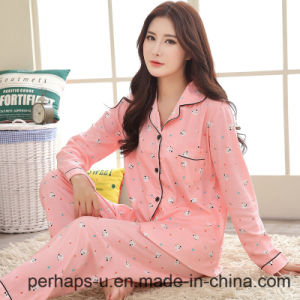 High Quality Cotton Long-Sleeved Ladies Pajamas pictures & photos