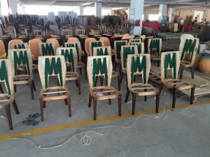 Restaurant Furniture/Hotel Furniture/Restaurant Chair/Dining Furniture Sets/Restaurant Furniture Sets/Solid Wood Chair (GLSC-000105) pictures & photos