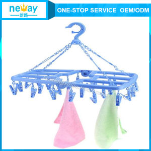 Chinese Manufacturer of Foldable Plastic Hanger pictures & photos