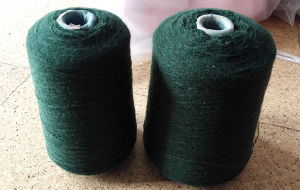 Acrylic Yarn of Anti Pill for School Uniform (2/28nm Dyed) pictures & photos