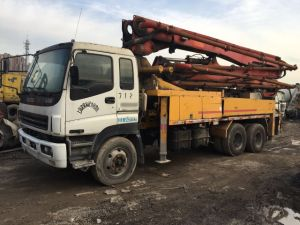 37m 8*4-LHD-Drive Original-Paint Concrete-Delivery Used Concrete Isuzu-Chassis Putzmeister Pump Truck pictures & photos