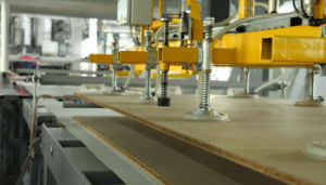 Short Cycle Laminating Press Machine pictures & photos
