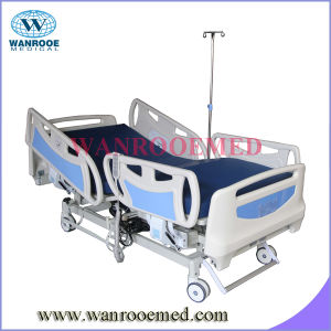 Bae313 Hospital Furniture Three Function Electric Hospital Medical Bed pictures & photos