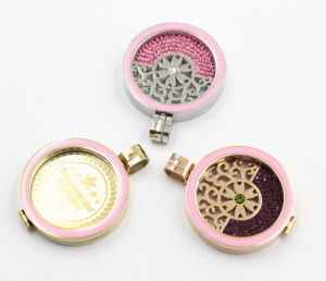 Enamel 316L Stainless Steel Fashion Locket Pendant for Necklace Jewellery pictures & photos