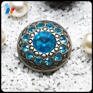Blue Rhinestone Plastic Dome Sewing Fashion Coat Button pictures & photos