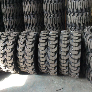 Solid Tire for Bobcat Loader Size (10-16.5) pictures & photos