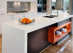 Customized Quartz Countertop & Vanity Top pictures & photos