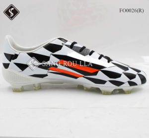 Comfortable Soccer Men Outdoor Sports Shoes pictures & photos