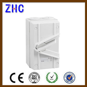 IP66 20A 25A 35A 63A 1p 2p 3p 4p 220V Electrical Manual Changeover Switch European Padlock Position Isolation Switch with Enclosure Box pictures & photos