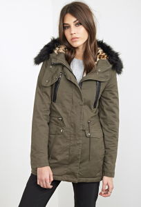 Women Faux Fur Trimmed Parka pictures & photos