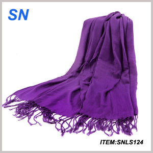 2015 Newest Design Stock Women Import Scarf pictures & photos
