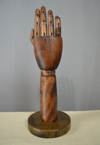 Solid Wood Hands Dummy Mannequin for Handbag Display pictures & photos