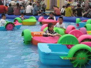 2013 Adult hand paddler boat for water parks