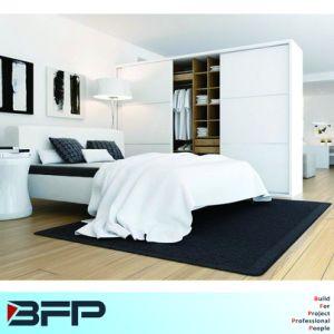 Simple White Sliding Wardrobe Customized pictures & photos