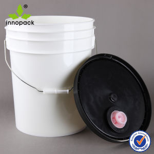 American Style 5 Gallon Plastic Bucket with Spout pictures & photos