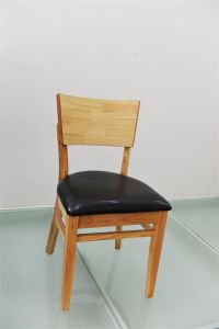 New Arrival Simple Leather Upholstered Wooden Restaurant Chairs (FOH-CXSC01) pictures & photos