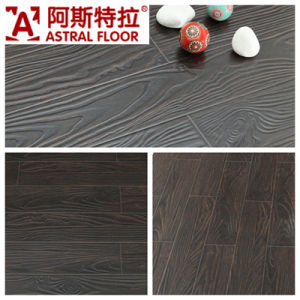 Jiangsu Changzhou (V-groove&U-groove) Registered Embossed Surface Laminate Flooring (AT003) pictures & photos