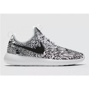 Style No. Roshe One and Roshe Two Women and Men Sneaker, 2017 New Arrival Custom Unisex Running Shoes pictures & photos