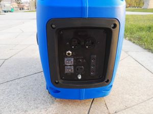 EPA Compliant 2.2 kVA Portable Gasoline Inverter Generator (G2200I) pictures & photos