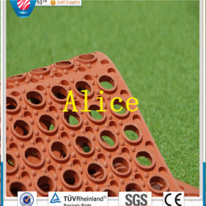 (GM0406) Drainage Rubber Mat/Anti-Slip Rubber Mat/Agriculture Rubber Matting pictures & photos