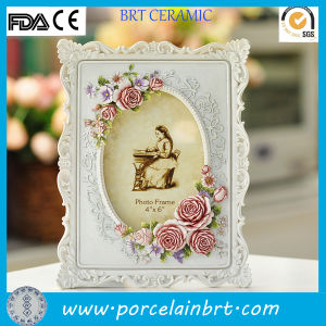 European Classical Photo Frame with Beautiful Flower pictures & photos