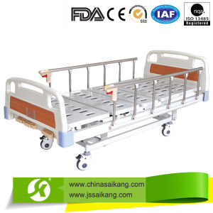Discount Three Functions Manual Hospital Bed with Safe Lock (CE/FDA/ISO) pictures & photos