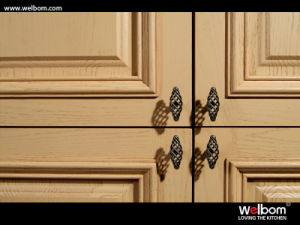Welbom European Style Solid Wood Kitchen Cabinet pictures & photos