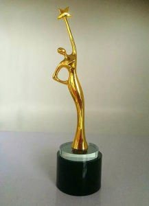 Oscar Statuette Angel Wing Return Gifts Trophy pictures & photos