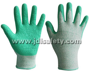 Green Cut Resistant Work Glove with Latex Coating (LD8056) pictures & photos