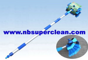 3m Extendable Telescopic Car Wash Brush with Squeegee (CN1968) pictures & photos